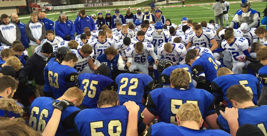 Illinois high school football teams were commended for displaying sportsmanship, character & integrity during their 2015 Season.
