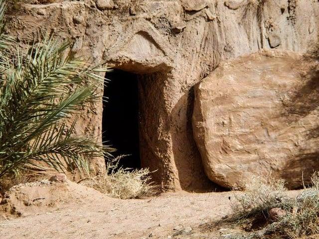 Tomb1.jpg